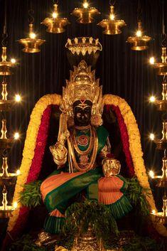 Indian Gods, Festival Decorations, Durga, My World, Brides, Fashion, Fotografia, Moda, Fashion Styles