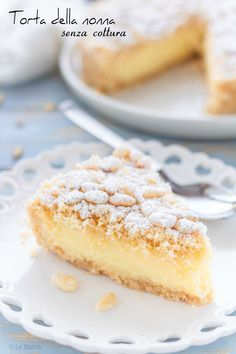 Torta della nonna senza cottura Grandmother's Pie without cooking is a sweet recipe suitable on Pie Dessert, Dessert Recipes, Grandma Cake, Cheesecake, Torte Cake, Great British Bake Off, Italian Desserts, Bakery Recipes, Coffee Cake