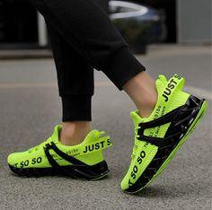 Coole Fitness Sport Schuhe mit kraftvoller Dämpfung, hochelastische Fersenunterstützung, Gleitschutz und bequem, so dass Sie sich voll und ganz von der Bewegung lösen können. Toller Sportschuh zum Joggen, Laufen, Walken, Wandern, Fitness oder als Freizeitschuh. Eigenschaften: Mix aus hochwertigem Mesh, gemütlich, atmungsaktiv, rutschfest und schnell trocknend. Fit für den Frühling, Sommer, Herbst und Winter. #Schuhe #Schuh #Sport #Sportschuh #Wandern #Walken #Fitness #Laufen #Jogging… Sneakers Mode, Sneakers Fashion, Fashion Shoes, Mens Fashion, Shoe Advertising, Clown Shoes, Walking, Wide Feet, Red Shoes