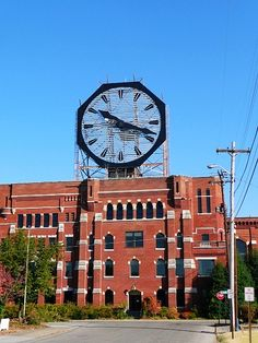 The Colgate Clock - World's Second Largest Clock - Jeffersonville, Indiana (on the Ohio River Overlooking Louisville, Kentucky) I live about 3 miles from here :) The Clock :) & 1 mile if that from the Ohio River :) Illinois, Wisconsin, My Old Kentucky Home, Ohio River, Louisville Kentucky, Roadside Attractions, Jeffersonville Indiana, Day Trips, Places To See