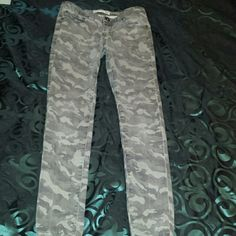 Camo skinny jeans. Size 6 camouflage skinny jeans. They were purchased at Cotton On and only worn a few times. They fit snug and are overall good jeans. Cotton On Pants