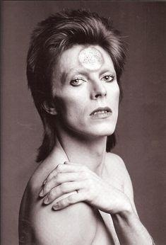 """earth-oddity: """" So pretty """" David Bowie"""