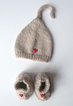 Baby Hats Knitting, Hand Knitting, Knitted Hats, Knitting For Kids, Baby Sweater Patterns, Baby Knitting Patterns, Crochet Baby Booties, Knit Crochet, Best Baby Socks