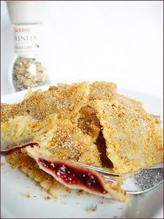 My favorite desert when I was little Baby Food Recipes, Wine Recipes, Cooking Recipes, Romania Food, Romanian Desserts, Romanian Recipes, Good Food, Yummy Food, Hungarian Recipes