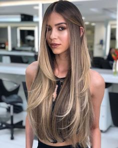 28 Hair Color Trends That'll Be Huge in 2019 - Lange Haare Ideen Ombre Hair Color, Hair Color Balayage, Bronde Hair, Haircolor, Bayalage, Hair Color And Cut, Long Layered Hair, Long Hair Cuts, Long Long Hair