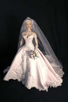 Tonner doll. I want that dress for my wedding!!!