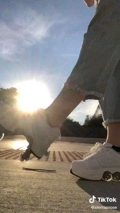Roller Skate Shoes - The Impulse Market - Roller Skate Shoes, Roller Skating, Roller Derby Clothes, Roller Derby Girls, Aesthetic Shoes, Aesthetic Clothes, Skates Vintage, Hype Shoes, 80s Shoes