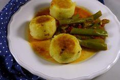 Gefüllte Polenta-Knödelchen   magentratzerl.de Polenta, Eggs, Breakfast, Food, Yummy Food, Food Food, Recipies, Friends, Bakken