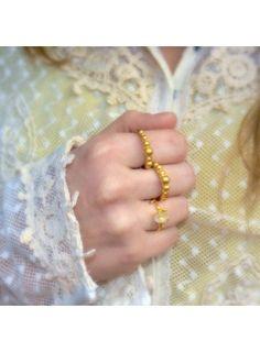 Handmade 18 k gold plated texturized silver ring. Anillo realizados de manera artesanal en plata de ley texturizada con un baño de oro de 18 quilates. By Coderque