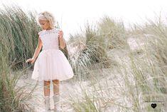 Linea Raffaelli Kids   communiekleding   Soft pink communiekleed met tule rok & top met speelse bloemenkant