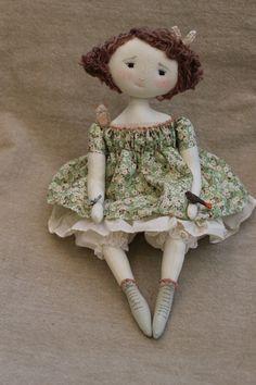 Son prénom est Angélique... n'en a t' elle pas bien l'air...(35cm) - Le Jardin des Farfalous