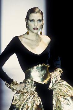 Beauty And Fashion Nadja Auermann, Jessica Stam, Vintage Designer Clothing, Gianfranco Ferre, Christian Dior, Supermodels, Runway Fashion, Vintage Fashion, Stylish