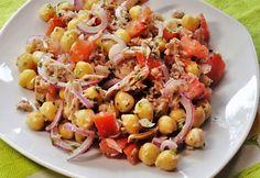 Tonhalas csicseriborsó-saláta recept képpel. Hozzávalók és az elkészítés részletes leírása. A tonhalas csicseriborsó-saláta elkészítési ideje: 10 perc Eat Pray Love, Cooking Recipes, Healthy Recipes, Healthy Meals, Fish Recipes, Recipies, Pasta Salad, Potato Salad, Delicious Desserts