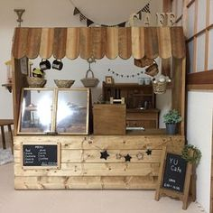 If you are passionate about woodworking and are in possession of dainty hands then let me tell you 10 wood projects that make money. Small Coffee Shop, Coffee Shop Design, Cafe Design, Decoration Restaurant, Kids Cafe, Cafe Shop, Booth Design, Play Houses, Kids Furniture