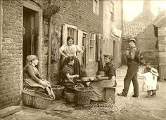 Francis Meadow (Frank) Sutcliffe (6 October 1853 – 31 May 1941): Whitby, North Yorkshire, around 1890