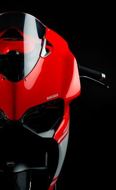 http://www.ducatistore.co.uk/1199-superleggera – leManoosh