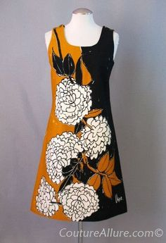 SOLD Vintage 60s VERA NEUMANN Cotton Floral Shift Dress with Signature Buttons Small bust 37
