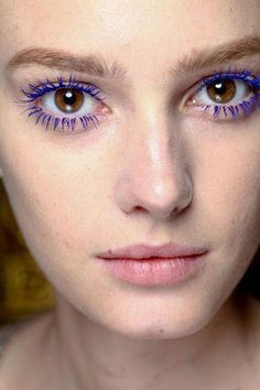 "brown eyed girl - gorgeous makeup at Stella McCartney - purple mascara. I'm a sucker for colored mascara! #""mascaratips"" #HowToCleanMakeupBrushes 80s Makeup Looks, Makeup Looks For Green Eyes, Makeup For Brown Eyes, Purple Mascara, Colored Mascara, Purple Makeup, Stella Mccartney, Rimmel, Colorful Makeup"