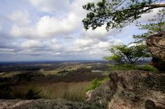 Hiking the Indian Seats Trail at Sawnee Mountain Preserve near Atlanta #hiking #atlanta #georgia