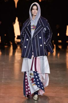 See all the Collection photos from TommyNow Spring/Summer 2020 Ready-To-Wear now on British Vogue Yasmin Le Bon, Naomi Campbell, Vogue Paris, Tommy Hilfiger, Fashion Week, Mens Fashion, Fashion Show Collection, Mannequins, Ready To Wear