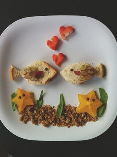 Craftykins // Food Art with Buggie and Jellybean Cute Snacks, Cute Food, Good Food, Healthy Chicken Recipes, Baby Food Recipes, Healthy Baking, Healthy Snacks, Childrens Meals, Paleo