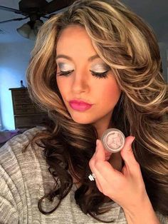 Cream shadow, lip liner, bronzer, BB cream, foundation and last but not least our fiber lashes Splurge Cream Shadow Younique, Younique Splurge, Makeup Younique, Younique Eyeshadow, 3d Fiber Lash Mascara, Fiber Lashes, Eye Makeup, Beauty Makeup, Makeup Tips