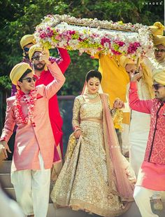 The latest collection of Bridal Lehenga designs online on Happyshappy! Find over 2000 Indian bridal lehengas and save your favourite once. Big Fat Indian Wedding, Indian Bridal, Indian Weddings, Bride Indian, Punjabi Bride, Indian Groom, Punjabi Wedding, Bollywood Stars, Bride Entry