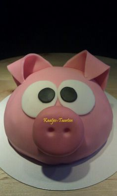 Pig cake One Year Birthday Cake, Birthday Sheet Cakes, Piggy Cake, Pig Roast, Character Cakes, Cupcake Cookies, Party Cakes, Cake Designs, Cake Pops