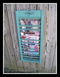 Fifteen favorite creative DIY shutter projects made from repurposed old wood shutters. Packed with useful ideas for old window shutters for home decor. Upcycled Crafts, Diy Crafts, Upcycled Vintage, Wood Crafts, Do It Yourself Furniture, Diy Furniture, Repurposed Furniture, Furniture Plans, Painted Furniture