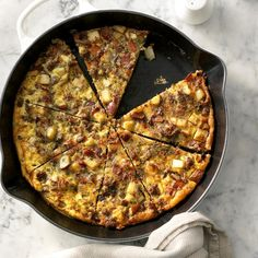 Grab your cast-iron skillet! It's time to make one of these sizzlin' cast-iron recipes, from frittatas and scrambles to puff pancakes. Sausage Frittata, Potato Frittata, Frittata Recipes, Quiche, Breakfast Dishes, Breakfast Recipes, Breakfast Casserole, Cast Iron Recipes, How To Cook Sausage