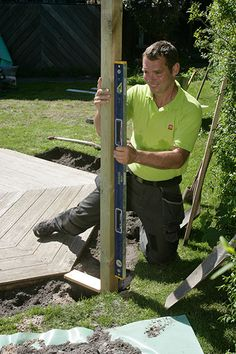 Vindskydd terrass Porch Garden, Woodland Party, Yard Art, Fence, Pergola, Outdoor, Gardens, Garden Design, Garden Deco