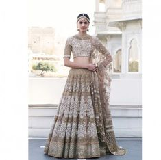 The latest collection of Bridal Lehenga designs online on Happyshappy! Find over 2000 Indian bridal lehengas and save your favourite once. Indian Bridal Wear, Indian Wedding Outfits, Bridal Outfits, Indian Outfits, Bridal Dresses, Asian Bridal, Indian Wear, Ethnic Fashion, Asian Fashion