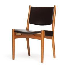 Set of Dining Chairs by Hans J. Wegner image 2