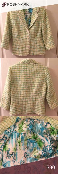 Lilly Pulitzer Sz 8 Tweed Blazer Lilly Pulitzer green and yellow tweed style blazer with 3/4 sleeve and white circle trim. Double-breasted three button closure on front, padded shoulder and lined with the blue and green print fabric.  EUC Lilly Pulitzer Jackets & Coats Blazers