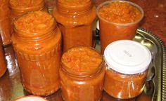 Papriku pestujem každý rok, avšak čerstvá u nás nie je príliš populárna.Vyrábam z nej lečo a tú najúžasnejšiu domácu nátierku. Na hrianky je neprekonateľná, ale výborne vám ochutí aj omáčky a ja ju dávam aj na cestoviny. Ingrediencie: 2 kg papriky 150 g paradajkového pretlaku (ideálne domáceho) – môžeme použiť aj olúpané paradajky 5 strúčikov cesnaku 100 ml octu 4 Scotch Whiskey, Irish Whiskey, Bourbon Drinks, Home Brewing Beer, Russian Recipes, Pli, Yams, Hot Sauce Bottles, Craft Beer