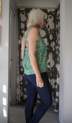 Green Shell Top Tutorial from we sew retro's blog.  Beautiful pattern.  She has great stuff on her site,