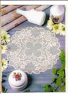 Crochet Knitting Handicraft: Bedspreads placemats and borders