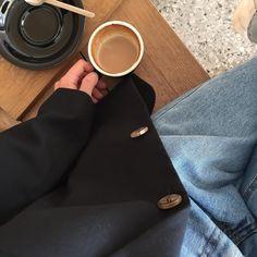 Where stories live Coffee Photography, Tumblr Photography, Beige Aesthetic, Aesthetic Photo, Coffee Break, Coffee Time, Yoonmin, Coffee Photos, Applis Photo