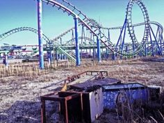 America has its own deserted amusement parks.. after Hurricane Katrina Six Flags in New Orleans was closed due to flooding and Damage