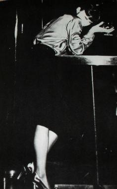 Shiseido Nombre Noir parfum – The Black Narcissus Classic Bob Haircut, Turning Japanese, In Vino Veritas, Yamaguchi, Photo Lighting, Inspiration Mode, Japanese Models, Post Punk, Shiseido