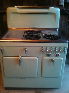 Chambers gas stove in jadite green. love love