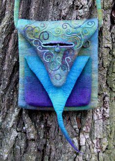 Eine Schultertasche für die Frau, die um ihre Einzigartigkeit weiß...    Ein UNIKAT für Liebhaberinnen von Meeresfarben wie Blau, Grün, Türkis und ein