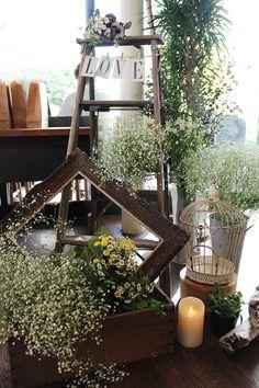 会場装花,かすみそう,アンティーク,フレーム,脚立