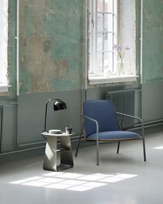 The Pad lounge series attains its special character from the combinations of materials, tactility and shape.
