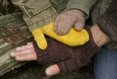 FREE PATTERN by Make mitts or mittens for the entire family. Learn decreases, increases, and to knit in the round using DPN's or the magic loop method! 1 skein of Superwash worsted and size 6 needles. Knitting Patterns Free, Free Knitting, Free Pattern, Hat Patterns, Stitch Patterns, Fingerless Gloves Knitted, Knit Mittens, Wrist Warmers, Hand Warmers