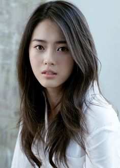 Korean Celebrities Hairstyles for Women - Best Easy Hairstyles - Korean Celebrities Hairstyles for Women - Go Ara, Beautiful Asian Women, Beautiful Celebrities, Korean Celebrities, Celebrity Hairstyles, Hairstyles Haircuts, Long Layered Haircuts, Extreme Hair, Asian Hair