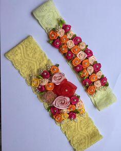 Lindas tiaras de renda com aplicação de rosas!