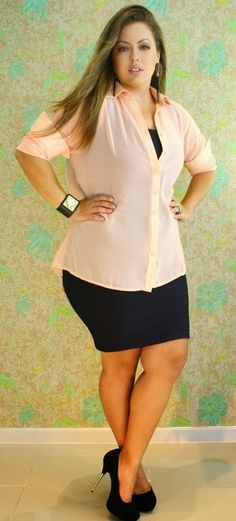 Today we will be discussing about some casual outfits for plus size women and latest curvy women funky style. For young women who are plus size. Casual outfits that are easy to carry and can be worn on daily basis. Look Plus Size, Plus Size Casual, Plus Size Women, Curvy Women Fashion, Work Fashion, Plus Size Fashion, Petite Fashion, Trendy Fashion, Fall Fashion
