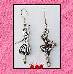 """""""Les Danseuses"""" Boucles d'oreilles asymétriques métal argenté (n°151) : Boucles d'oreille par les-arroumigues"""