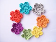 Flower Girl Cottage: Free Crochet Flower Pattern The Perfect Posey